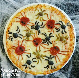 spooky Halloween spider pizza